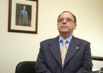 Se confirma la condena al catedrático Santiago Romero, quien fuera decano de la Facultad de Ciencias de la Educación (CCEE) de Sevilla, por abusos sexuales a tres compañeras