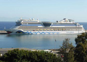 El turismo de cruceros crece en volumen y también en contaminación e impactos socioambientales