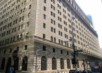 Washington amenaza con bloquear las cuentas del Banco Central Iraquí si obligan a las tropas estadounidenses a retirarse