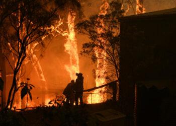 Australia evacúa a miles de personas por los incendios