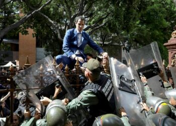 PP y Cs presentan su primera propuesta parlamentaria de la nueva legislatura… sobre Venezuela