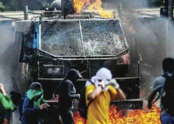 Chile. La represión avanza: Carabineros alista renovación de flota de carros lanzaguas y lanzagases