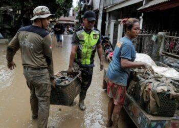 Al menos 60 muertos en las inundaciones de Indonesia