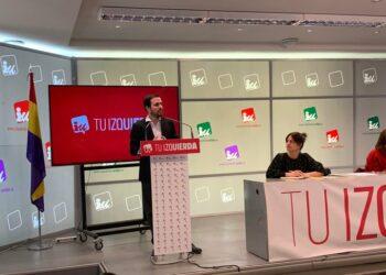 Garzón se compromete a impulsar «la mejora de las condiciones de vida de las familias trabajadoras» desde el gobierno