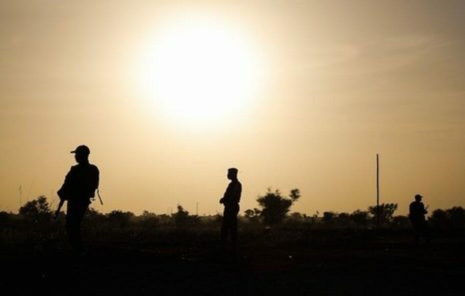 Niger. Un ataque yihadista contra una base militar deja 31 soldados muertos