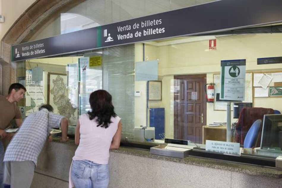 CGT arremete contra el Ministerio de Fomento por incumplir el acuerdo de reapertura de venta de billetes