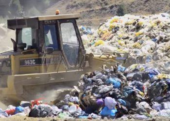 Amigos de la Tierra: «el problema de los residuos no permite más lavados de cara»