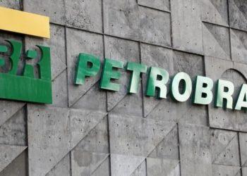 Más de 20.000 trabajadores de la empresa estatal brasileña Petrobras en huelga
