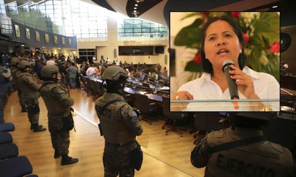 El Salvador: La verdad sobre la invasión del ejército en el Parlamento – Diputada Cristina Cornejo explica a Documentonews.gr