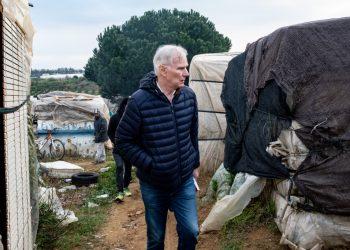 Philip Alston: «España les está fallando por completo a las personas que viven en la pobreza»