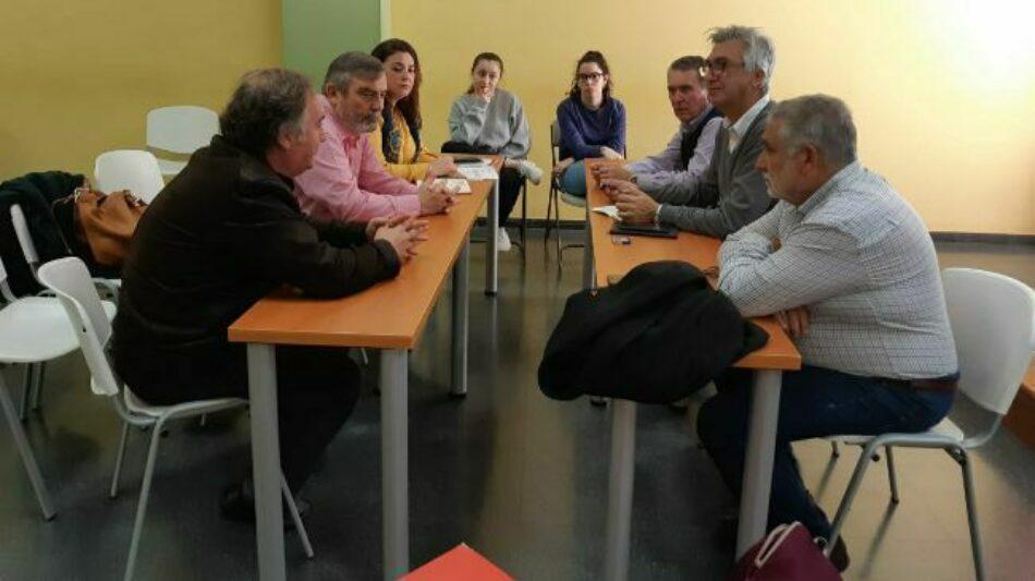 Encuentro entre IU Sevilla y CC.OO Justicia para analizar la situación de los Registros Civiles y Juzgados de Paz de la capital andaluza
