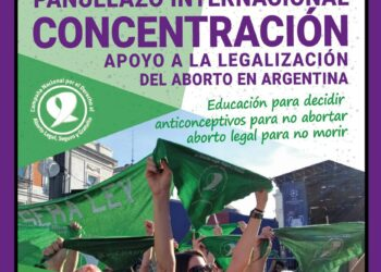 «Pañuelazo internacional»: Concentración en apoyo a la legalización del aborto en Argentina