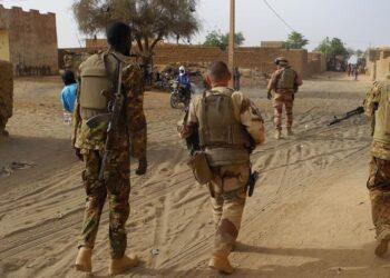 Francia enviará 600 militares adicionales a la región del Sahel