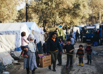 Filippo Grandi, Alto Comisionado de ACNUR, pide actuar de inmediato contra el sufrimiento en los centros de recepción en las islas griegas