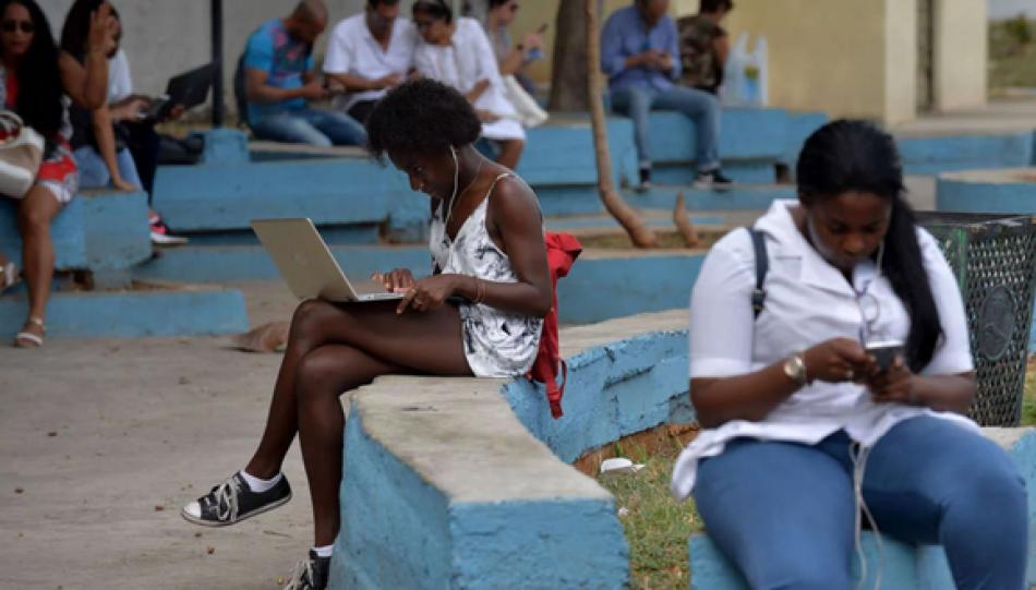 Internet es ampliamente accesible en Cuba: ¿Por qué EEUU insiste en que no lo es?, pregunta medio estadounidense