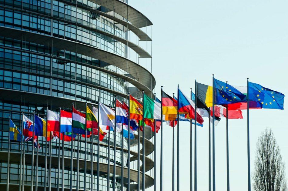 """Parlamento Europeo rechaza el """"acuerdo del siglo"""" de Trump"""