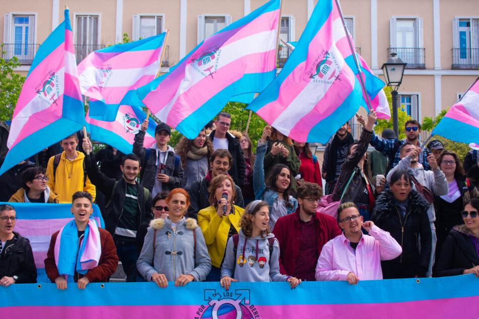 600 profesionales, del derecho, sanidad, educación, psicología, trabajo social, apoyan una Ley Trans Estatal y solicitan su trámite al Gobierno