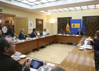 Gobierno y agentes sociales empiezan a negociar la modificación de la reforma laboral