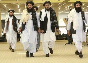 Los talibanes cantan victoria tras 19 años de guerra en Afganistán