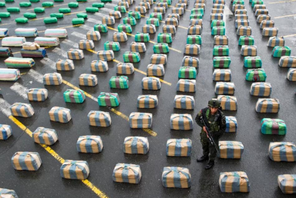 El imperio de las drogas: cómo EEUU se convirtió en un narcoestado