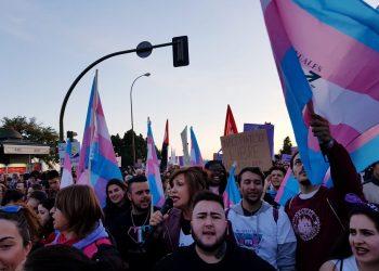 La Plataforma Trans pide que se pongan banderas trans en los balcones por el Día de la Visibilidad Trans