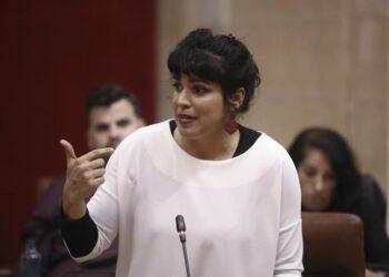 """Teresa Rodríguez considera que el nuevo decreto del Gobierno andaluz """"inaugura las rebajas"""" y pide comparecencia en el Parlamento"""