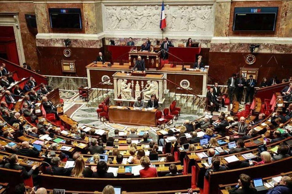 Adoptada en Francia polémica reforma al sistema de jubilación
