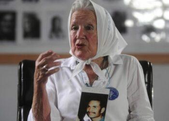 Las Madres de Plaza de Mayo recuerdan 43 años de historia: Testimonio de Nora Cortiñas