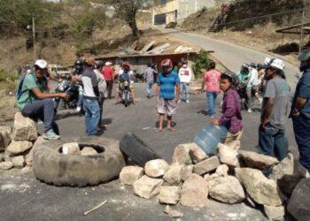 Hondureños intensifican protesta social por falta de alimentos e insumos biomédicos