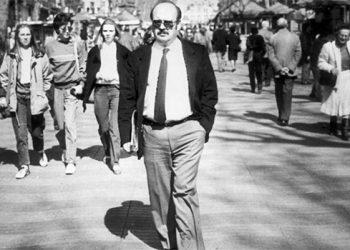 El libro de Vázquez Montalbán en Mundo Obrero