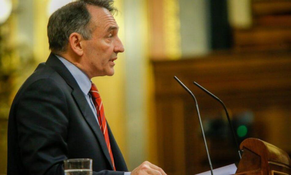 """Enrique Santiago reprocha a la derecha que """"haga política con la muerte"""" y lamenta """"el esfuerzo de algunos por multiplicar el pavor"""" con el Covid-19"""