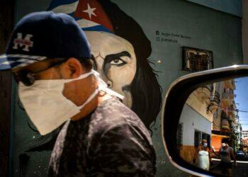 Prohibe EE.UU. venta de ventiladores pulmonares a Cuba