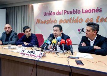Compromís presenta nuevas preguntas para saber por qué Aena no remite a la escuela de pilotos el contrato para operar desde el Aeropuerto de León