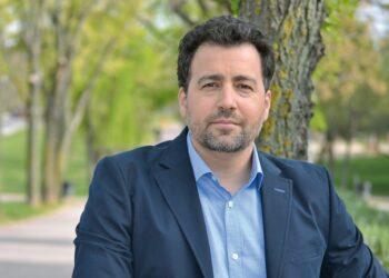 """Pedro del Cura, portavoz de IU-Podemos-Comuns en la FEMP, reclama que este organismo se reúna con urgencia y """"fije ya un criterio claro sobre el reparto de mascarillas y test frente al Covid-19"""""""