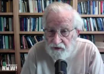 Noam Chomsky, sobre la desastrosa respuesta de Trump al coronavirus, Bernie Sanders, y lo que le da esperanza