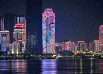 Ciudad china de Wuhan celebra levantamiento de cuarentena