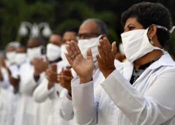 Una nueva brigada médica cubana llega a Sudáfrica para reforzar lucha contra Covid-19