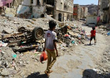 Los rebeldes hutíes acusan a la coalición liderada por Arabia Saudí de incumplir la tregua en Yemen