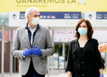 Familiares y trabajadoras agrupadas en la Marea de Residencias se querellan contra el consejero Enrique López López y los directores de cinco residencias de la Comunidad de Madrid