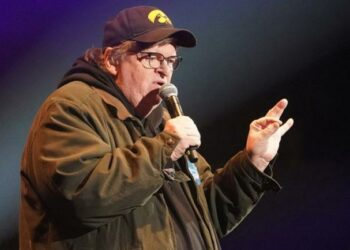 YouTube borra último documental de Michael Moore y desata acusaciones de censura