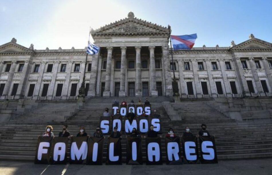 Uruguay. Con motivo de la Marcha del Silencio, las intervenciones por memoria se replican por todo Montevideo