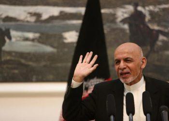 El presidente afgano promete acelerar liberación de prisioneros talibanes