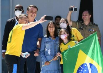 Bolsonaro se sumó a un nuevo acto contra el Congreso y la Corte Suprema