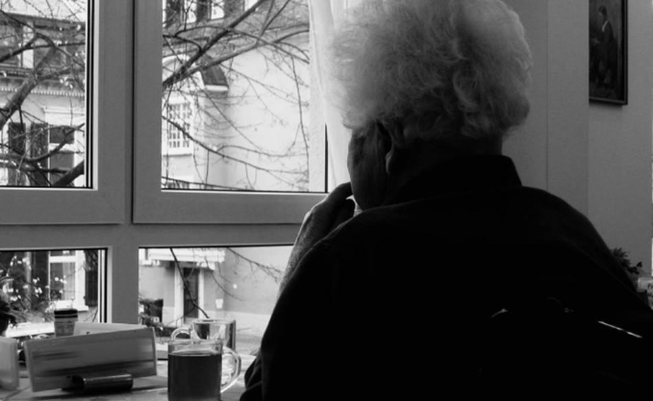 Esquerda Unida demanda que as persoas maiores desprazadas da Residencia pública Porta do Camiño poidan volver ao seu centro