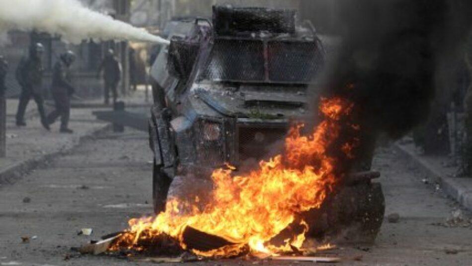 Estallido social en Chile: Imputado arriesga hasta 24 años de cárcel por fabricar y lanzar bombas molotov