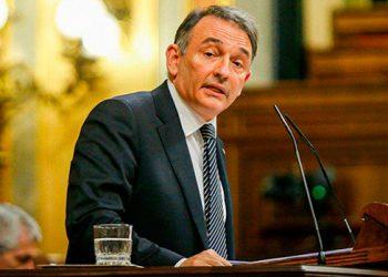 Enrique Santiago lanza en la Comisión de Reconstrucción una amplia propuesta de pactos de carácter sanitario, económico, de cuidados y de garantías de derechos para afrontar la crisis del Covid-19