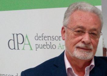 APDHA Sevilla presenta queja ante el Defensor del Pueblo Andaluz para denunciar las consecuencias de la brecha digital en las personas mayores