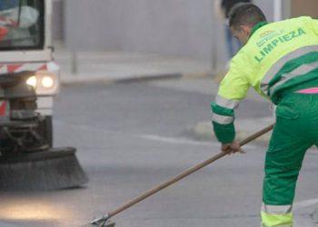 Adelante Sevilla avisa al gobierno municipal que no va a aceptar la privatización del servicio de limpieza de edificios municipales