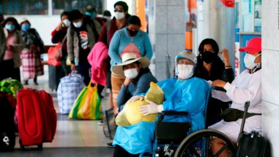 Perú confirma próxima llegada de médicos cubanos para enfrentar la COVID-19