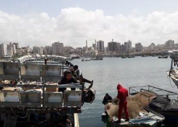 Los pescadores en Gaza, entre los ataques de Israel y el miedo a la COVID-19
